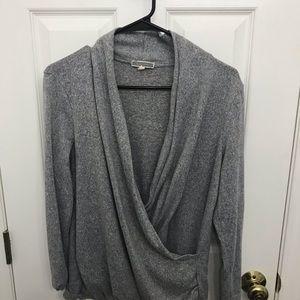 Wrap grey sweater